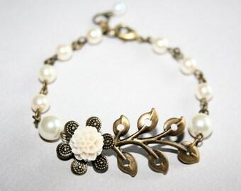 Leaf Branch Flower Bracelet with pearls