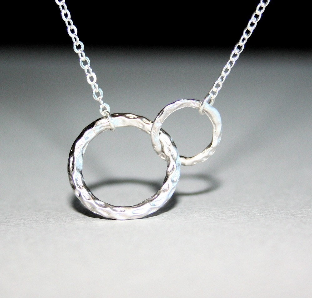 hammered textured circle link necklace