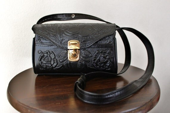 Vtg Black leather Purse TOOLED Purse equestrian floral rose detail