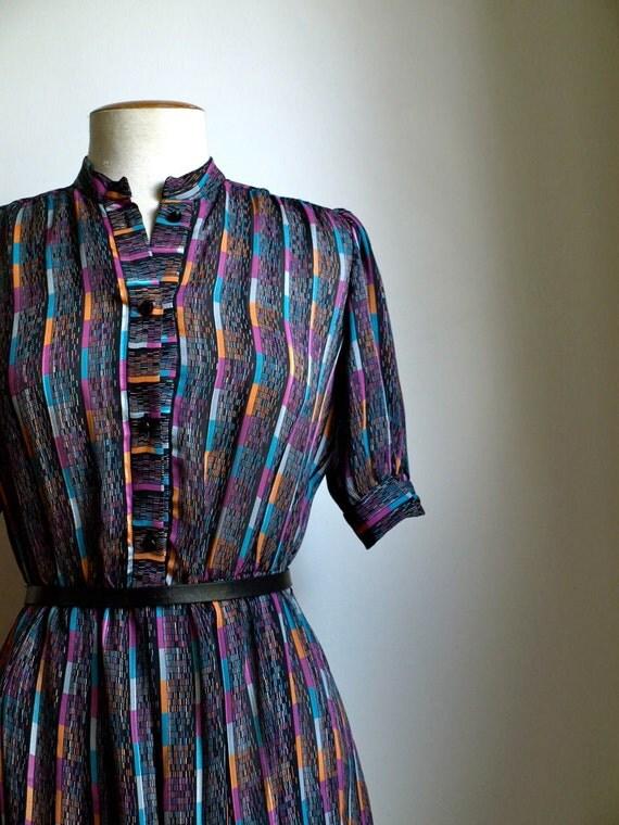 amazing vintage black dress with geometric pattern