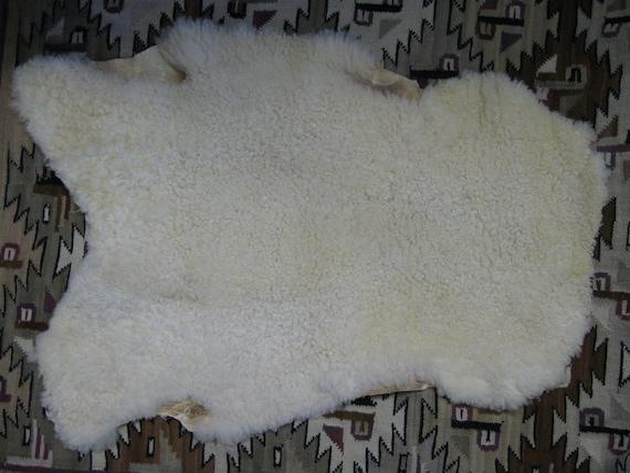 Sheepskin - Natural White - Wool lamb pelt