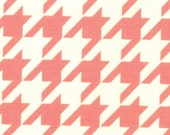 Bonnie & Camille for Moda - VINTAGE MODERN - Houndstooth in Melon - Fat Quarter FQ