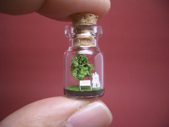 Tiny green tree and a couple in a tiny bottle ver.2