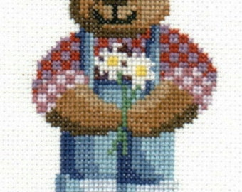 Teddy Bear With Daisies counted cross-stitch chart