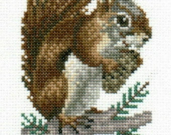 Red Squirrel counted cross-stitch chart