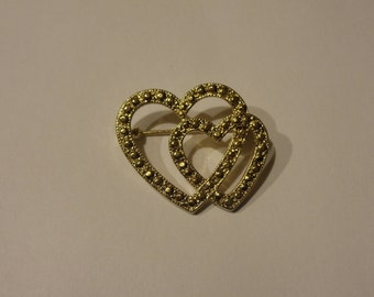 Vintage Goldtone Double Heart Valentines  Pin Unsigned New View
