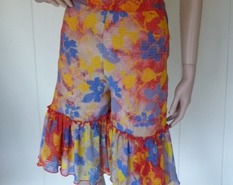 Funky and fun vintage ruffled shorts