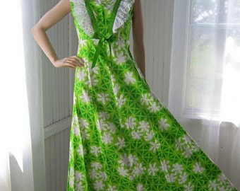 Vintage green hawaiian maxi dress barkcloth and eyelet from Hilda Hawaii - Liberty House of Hawaii