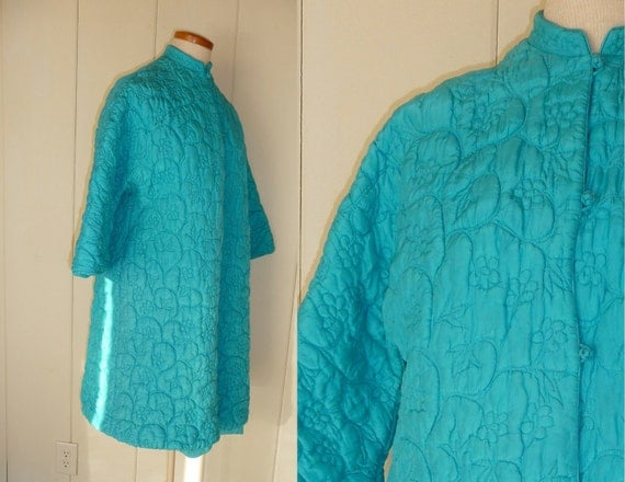 Vintage quilted aqua housecoat, mandarin collar from Loungees, medium to large