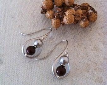 Tear Drop Silver earrings, Dangle, Pearl Earrings, Wedding jewelry, Gift