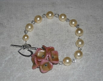 Ivory Bracelet  with Heart Toggle,Blossom Flowers, cream pearls, silver heart toggle,  Charm, Wedding bracelet, Free Shipping, Gift,