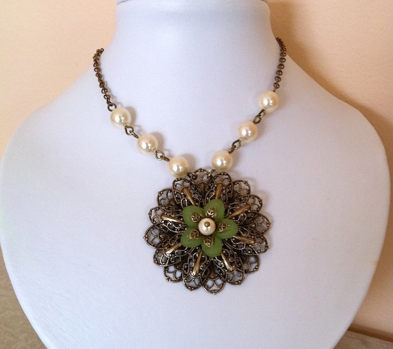 Free Shipping Vintage Flower Pendant necklace, Statement Necklace, Lariat, Choker, Wedding necklace, Vintage style