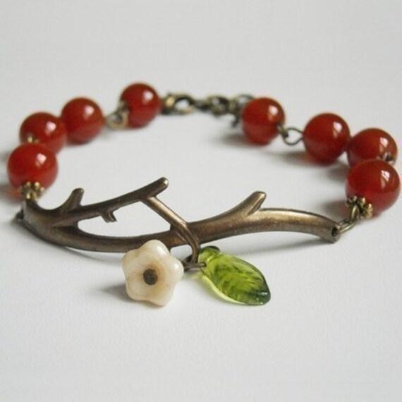 Branch Bracelet - Agate gemstone  -Brass Twig, Twig bracelet, Elegant , Vintage Style, Free Shipping, Gift,