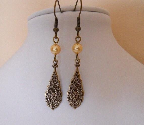 Vintage Lace Drop earrings, dangle, light golden  pearls, Brass lace, Cluster, Free Shipping, Gift, , wedding earrings
