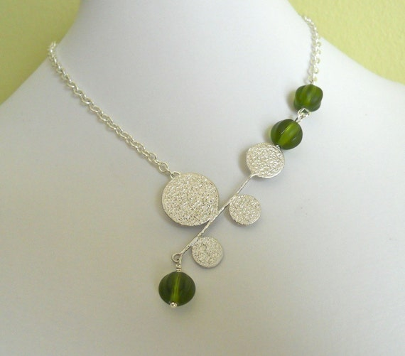 Go Green Lariat Necklace, Statement Necklace, Silver Circle, Green Glass Beads, Choker, Silver Chain, Free Shipping