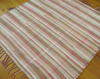 Rustic French Country Cottage Farmhouse Decor Wool Rag Rug, Cabin Home Decor Floor Mat, Antique Blush Rose Pink Beige Hand Woven Small Rug