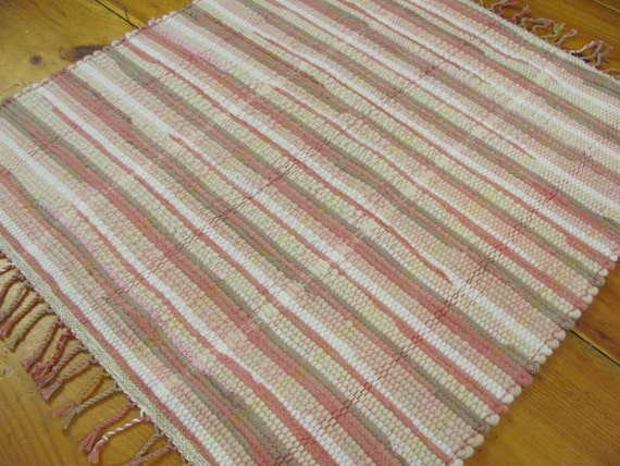 Rustic french country cottage farmhouse decor wool rag rug for Farmhouse style kitchen rugs