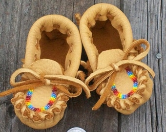 Beaded baby moccasins ,  Leather baby moccasins, Infant moccasins , baby gift, soft sole shoes , baby house shoes , custom moccasins