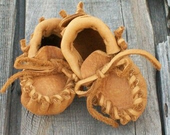 Native American style baby moccasins , Newborn baby moccasins ,  Handmade baby moccasins , baby shoes