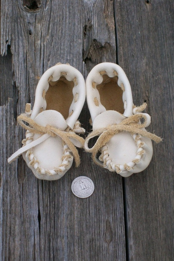 Hnadmade leather baby shoes ,  Soft baby shoes ,  Soft sole shoes ,  Buckskin moccasins ,  Baby slippers