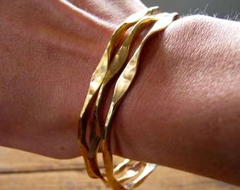 Gold Bangle Bracelet - Gold Bangle Set - Gold Bangles - Hammered Bangles - Wavy Stacking Bangles - Gold Hammered Thin Bangle Bracelets