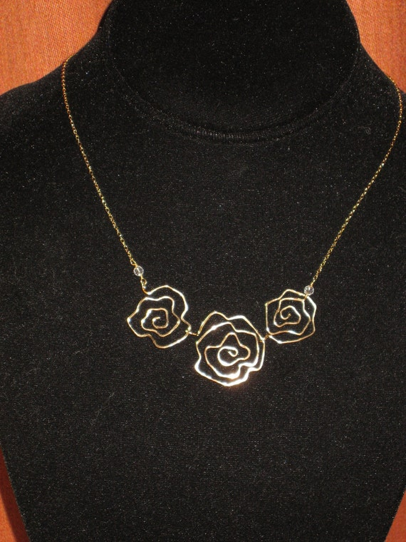 Three Rose Scribble Gold Filled Sculpture Necklace