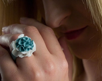 Turquoise porcelain ring with abstract white and turquoise  flowers Fandango, artisan ceramic handmade fashion porcelain jewelry