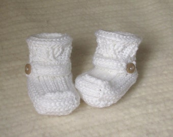 White baby booties, crochet baby booties, 0 to 3 months, crochet baby boots