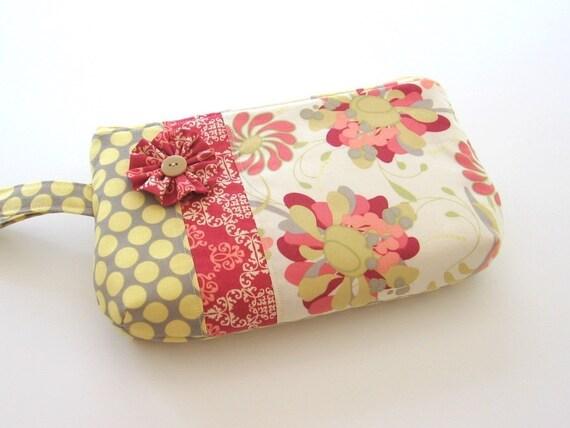 Art Gallery Wristlet\/Cosmetic Bag