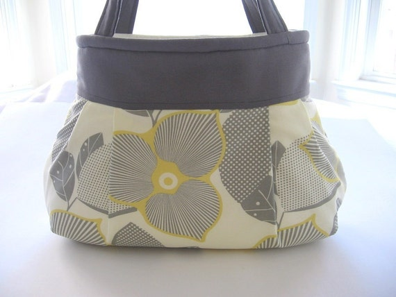 Optic Blossom Pleated Bag