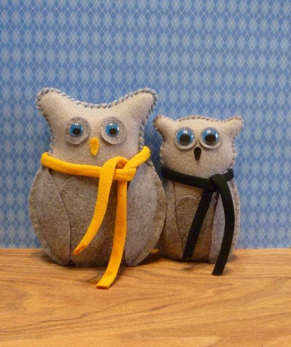 pair of woodland owls / new baby gift / grey owl felt handmade toys / boy toddler bedroom / nursery decor bedroom decoration