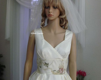 Lorelle - Vintage Inspired Wedding Dress. Retro Tea Length.