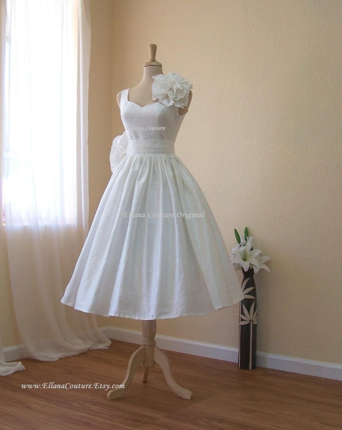 Magnolia Vintage Inspired Wedding Dress. Tea Length.