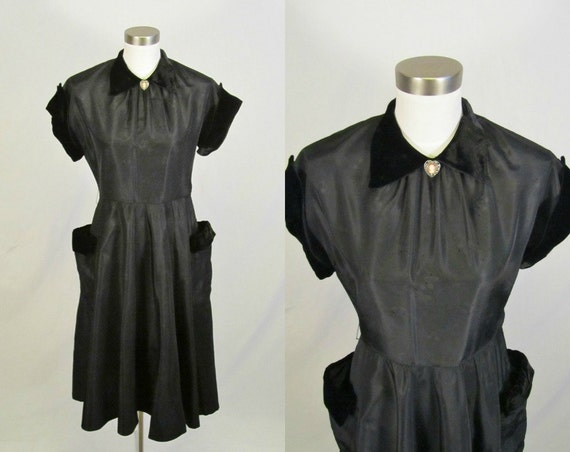 S A L E /// 1950's Taffeta Dress / Black Velvet / Full Skirt / S M