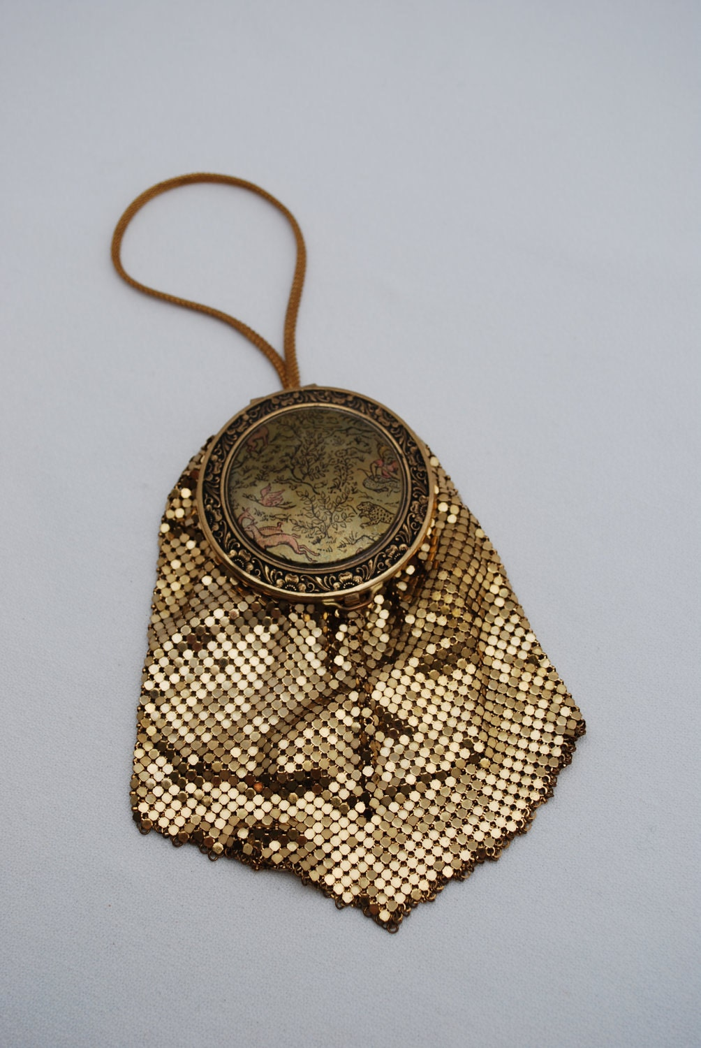 Antique Gold Metal Mesh Flapper Wristlet Compact Purse