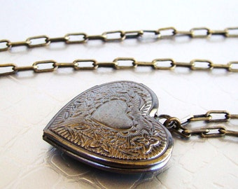 Sale Antique heart locket Necklace. Christmas gift. Gifts under 20