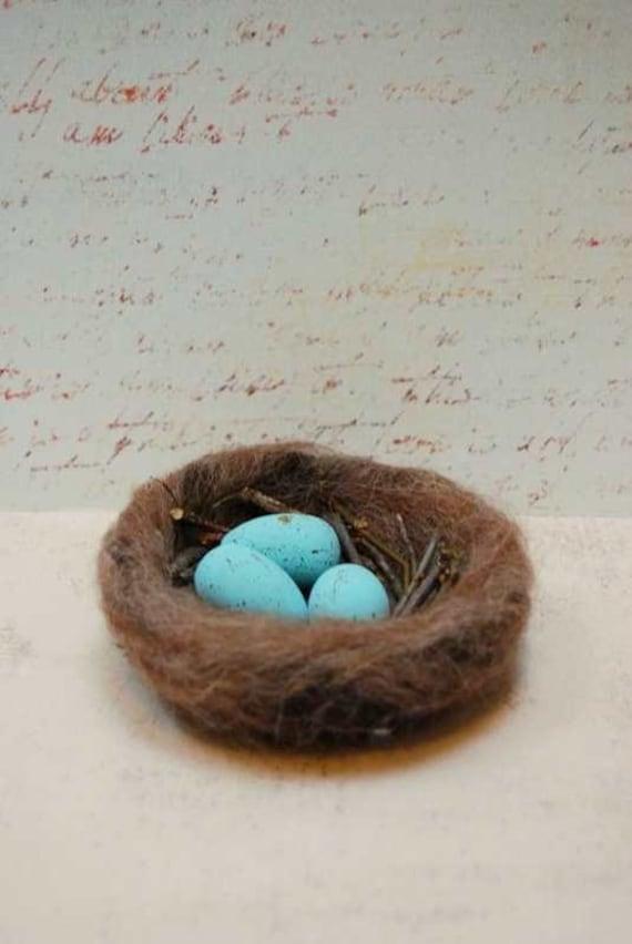Wool Felt Birds Nest and Robin Blue Eggs