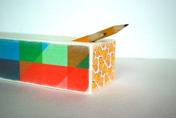 Monochromatic Pencil Box