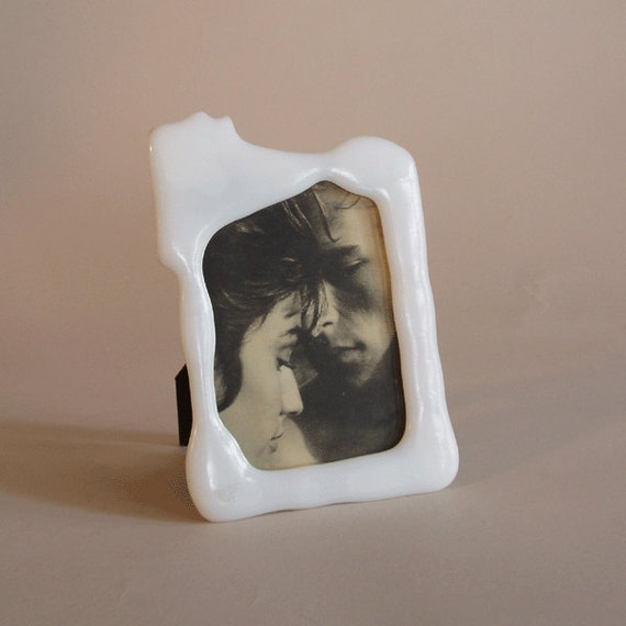 picture frame - fused white glass