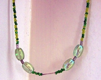 Luminous Green Necklace, Oval Bead Necklace, Luminous Necklace, Unusual Necklace, Unusual Jewelry, Luminous Jewelry, Green Bead Necklace