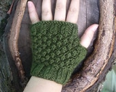 Short Fingerless Gloves in Moss Green -  Fall Fashion, Autumn Accessories SALE 25% OFF