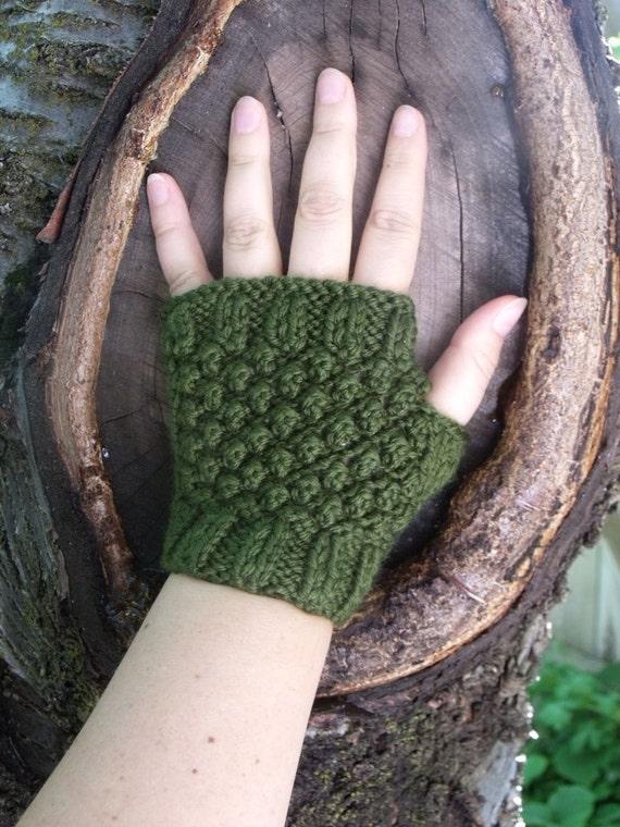 Short Fingerless Gloves in Moss Green -  Fall Fashion, Autumn Accessories SALE 25% OFF