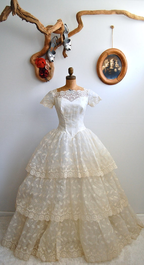 ON HOLD - Vintage 1950s Wedding Dress - 50s Sweetheart Gown - The Emma