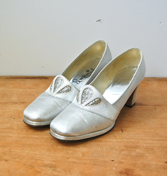 Vintage 1960s Shoes - 60s Silver Heels - The Sylvia - Size 8