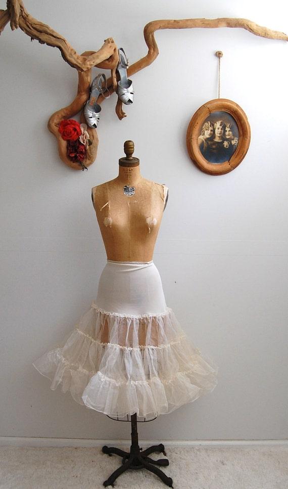 Vintage 1950s Petticoat - 50s White Crinoline - The Maggie - LARGER SIZE