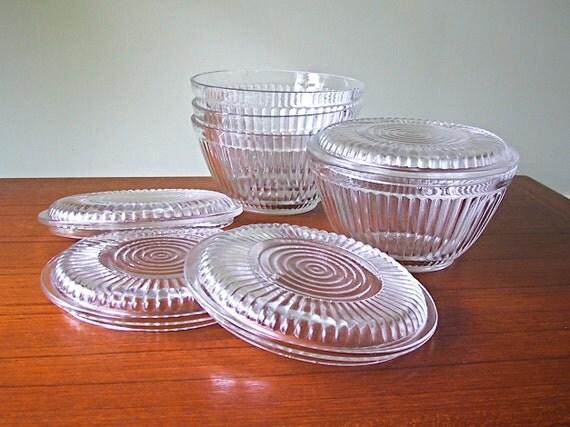 vintage glass food storage bowls with lids. Black Bedroom Furniture Sets. Home Design Ideas