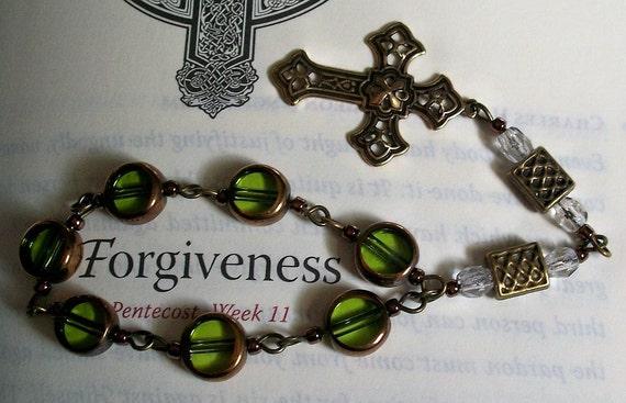 Ecumenical / Anglican Prayer Beads / Chaplet - Bronze and Green Glass