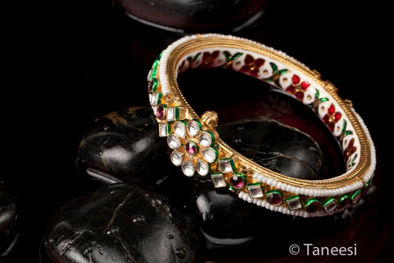 Royal Bangle Bracelet The Queen's Flower Jewelry Pearl Enamel Bangle Bracelet Kundan Bangle with real Amethyst stones