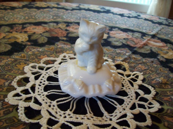 Vintage Avon Milk Glass Cologne Bottle Cat on a Pillow