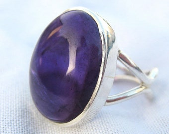 Purple Amethyst Sterling Silver Ring . Birthstone . US Size 7.25